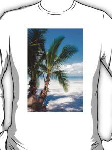 Beautiful tropical beach T-Shirt