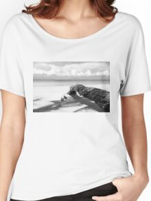 Fallen palm tree in black and white Women's Relaxed Fit T-Shirt