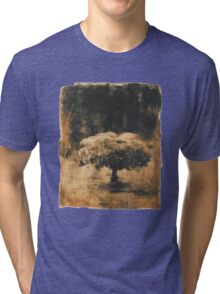 Solitudine della forma Tri-blend T-Shirt
