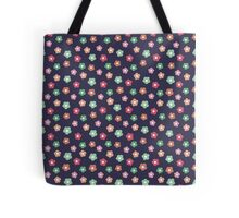 Beautiful  little flower doodle pattern.  Seamless cute background. Tote Bag