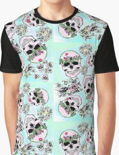 Pretty & tough, skulls & flowers Graphic T-Shirt
