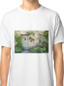 Typical Cotswolds house facade, UK Classic T-Shirt