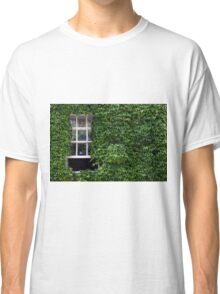 Window on leafy Cotswolds house facade, UK Classic T-Shirt