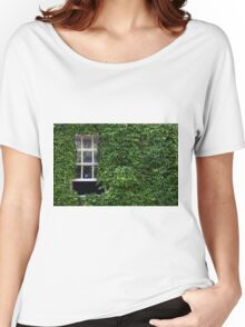 Window on leafy Cotswolds house facade, UK Women's Relaxed Fit T-Shirt