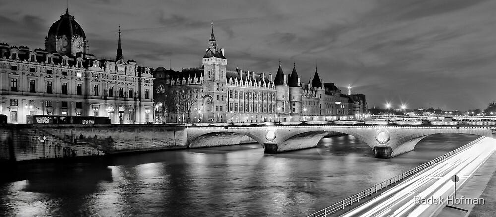 Conciergerie by Radek Hofman