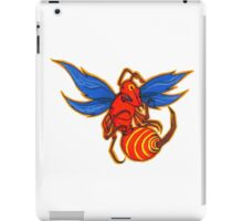 Scary Hornet Ready to Strike! iPad Case/Skin
