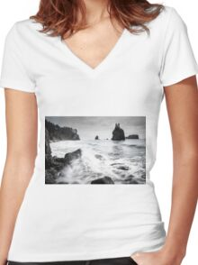Waves - Olympic National Park Women's Fitted V-Neck T-Shirt