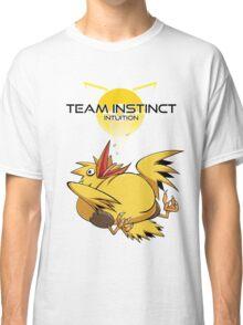 Legenderpy Birb Instinct  Classic T-Shirt