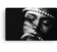 Dreaming with Pearls Canvas Print