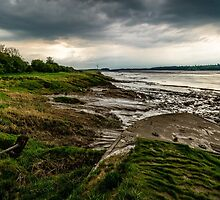 Along the Bank of The Severn at Low Tide by MarcW