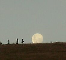 Hill Moonrise by jezkemp