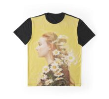 Sophie Turner Graphic Graphic T-Shirt