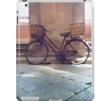 Watercolor painting of a vintage bicycle iPad Case/Skin