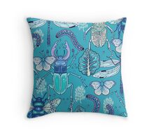 happy frozen blue bugs Throw Pillow
