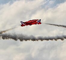 Red Arrows Synchro Pair - Farnborough 2014 by Colin J Williams Photography