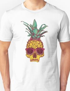 Pineapple Skull wearing sunglasses Unisex T-Shirt