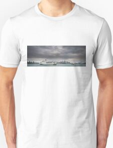 P&O Entering Sydney Harbour Unisex T-Shirt