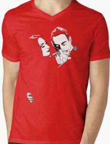 Gomez y Morticia Mens V-Neck T-Shirt