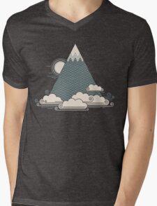 Cloud Mountain Mens V-Neck T-Shirt