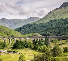 Glenfinnan Viaduc and The Jacobite Steam Train  by 29Breizh33