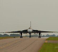 Vulcan at RAF Waddington by Jonathan Cox