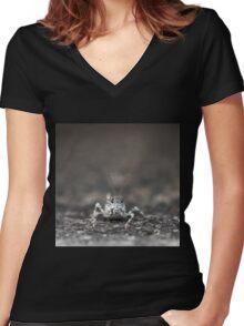 Grasshopper Closeup Women's Fitted V-Neck T-Shirt