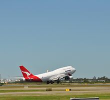 QANTAS 747-400 by mbutwell