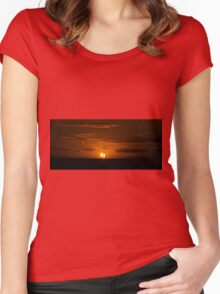 Sail The Sun Women's Fitted Scoop T-Shirt
