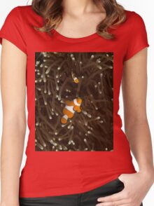 Clownfish on a White-Tipped Anemone Women's Fitted Scoop T-Shirt