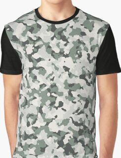 Universal Camo Pattern Graphic T-Shirt