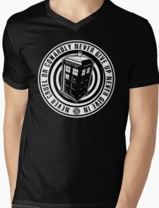 Never Cruel Or Cowardly - Doctor Who - Black TARDIS Mens V-Neck T-Shirt