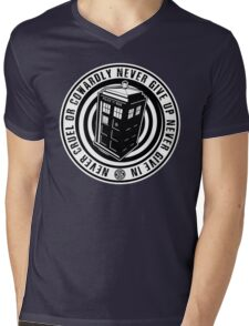 Never Cruel Or Cowardly - Doctor Who - Black TARDIS Mens V-Neck T-Shirt