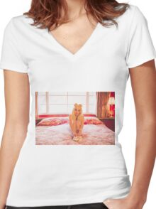 That Poppy Bed Women's Fitted V-Neck T-Shirt