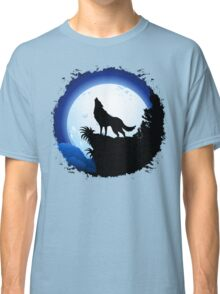 Wolf Howling at Blue Moon Classic T-Shirt