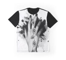 Daisy Chains Graphic T-Shirt