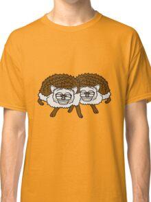 2 freunde team nerd geek hornbrille pickel freak spange schlau intelligent grinsen lustig comic cartoon süßer kleiner niedlicher igel  Classic T-Shirt