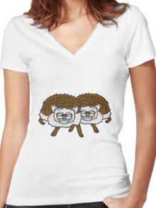 2 freunde team nerd geek hornbrille pickel freak spange schlau intelligent grinsen lustig comic cartoon süßer kleiner niedlicher igel  Women's Fitted V-Neck T-Shirt