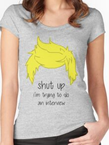 shut up i'm trying to do an interview - Niall Women's Fitted Scoop T-Shirt