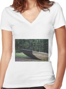 Boating Women's Fitted V-Neck T-Shirt