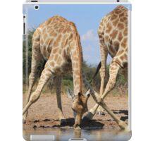 Giraffe - African Wildlife Background - Splitting for Sips iPad Case/Skin