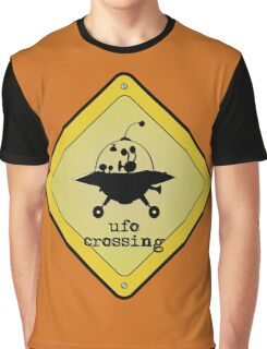 UFO crossing sign Graphic T-Shirt