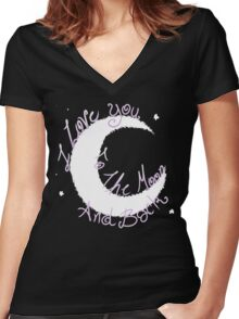 Love to the Moon Women's Fitted V-Neck T-Shirt