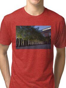 Modern Birch Garden in Front of Tate Modern Art Gallery, London Tri-blend T-Shirt