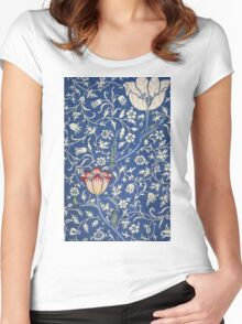 Blue and White Winding Flower Design Women's Fitted Scoop T-Shirt