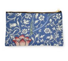 Blue and White Winding Flower Design Studio Pouch