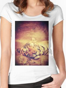 Vintage Tiger Women's Fitted Scoop T-Shirt