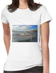 The family boat Womens Fitted T-Shirt