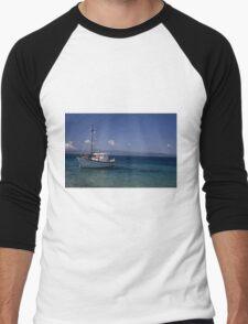 Blue sky, blue sea, white boat. Men's Baseball ¾ T-Shirt