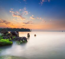 Fishbourne Breakwater Sunset by manateevoyager