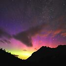 Colours in the night sky by zumi